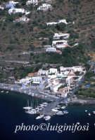 una veduta aerea dell'isola  - Alicudi (6119 clic)