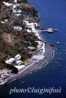 una veduta aerea dell'isola  - Alicudi (6785 clic)