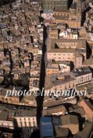 veduta aerea del centro storico e della scalinata di santa maria  - Caltagirone (3589 clic)