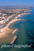 la spiaggia ed il lungomare di marina di ragusa  - Marina di ragusa (9445 clic)