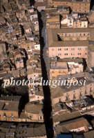 veduta aerea del centro storico e della scalinata di santa maria  - Caltagirone (3419 clic)