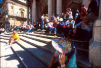 turisti in piazza duomo a ortigia  - Siracusa (2090 clic)