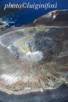 veduta aerea del cratere   - Vulcano (3866 clic)