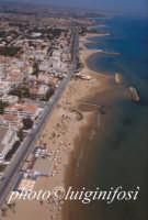 veduta aerea della spiaggia e del lungomare andrea doria a marina di ragusa  - Marina di ragusa (9745 clic)