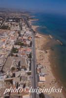 veduta aerea della spiaggia e del lungomare andrea doria a marina di ragusa  - Marina di ragusa (11071 clic)