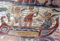 i mosaici della villa romana del casale: scena degli amorini pescatori  - Piazza armerina (7486 clic)