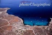 cala rossa con levanzo sullo sfondo  - Favignana (3282 clic)