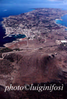 una veduta aerea dell'isola con monte santa caterina in primo piano  - Favignana (2836 clic)