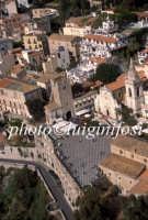 veduta aerea di piazza IX aprile con la chiesa di san Giuseppe  - Taormina (4929 clic)