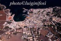 una veduta aerea del centro abitato dell'isola di favignana  - Favignana (2576 clic)