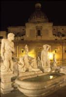 la fontana di piazza pretoria di notte PALERMO Luigi Nifosì