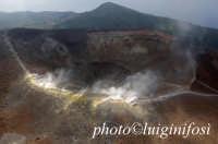 la zolfara del cratere sommitale vista dall'alto  - Vulcano (3804 clic)