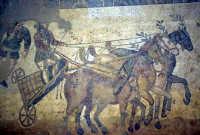 la villa romana del casale: mosaici  - Piazza armerina (4972 clic)