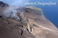 il cratere sommitale attivo e la sciara visti dall'alto  - Stromboli (3862 clic)