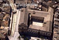 veduta aerea della chiesa del carmine e dell'annesso convento  - Scicli (3902 clic)