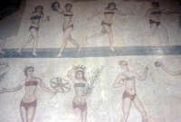 i mosaici della villa romana: le ragazze in bikini  - Piazza armerina (4348 clic)
