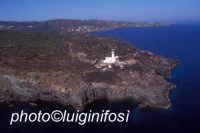il promontorio e il faro di punta spadillo  - Pantelleria (6500 clic)