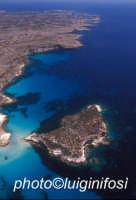 l'isola dei conigli e la costa di lampedusa in una vista aerea  - Lampedusa (3026 clic)