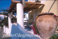 tipica abitazione eoliana  - Panarea (3027 clic)