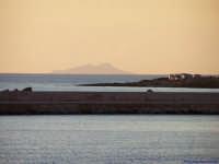 Il Molo della Tonnara e l'isola di Favignana  - Torretta granitola (1790 clic)