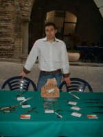Lame sotto i portici: mostra mercato sulla coltelleria artigianale a Romano di Lombardia, 2007  - San fratello (4280 clic)