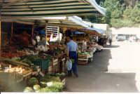 Bancarelle al mercatino settimanale  - Mistretta (3805 clic)