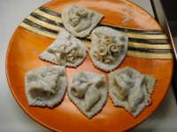 Pasta reale, tipico dolce mistrettese, a base di pasta di mandorle, modellato esclusivamente a mano in forme di fiori, frutta, ecc. Pasticceria Del Corso   - Mistretta (13692 clic)
