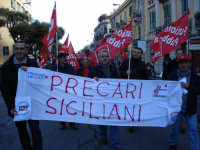 Manifestazione sindacale del 12 Dicembre 2008 (13). Corso Cavour.     - Messina (2427 clic)