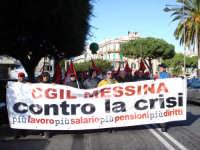 Manifestazione sindacale del 12 Dicembre 2008 (15). Via Cannizzaro.      - Messina (2486 clic)