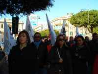 Manifestazione sindacale del 12 Dicembre 2008. (16). Via Cannizzaro.  - Messina (3225 clic)