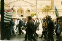 Manifestazione sindacale degli operai forestali del 4 maggio 2005. Foto 6 - Operai forestali in tran