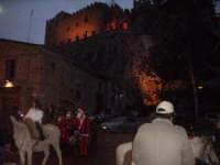 Cavalgiocando: Natale 2007 Caccamo- I Cavalieri della Castellana e il progetto un Calessino , un cavallino per Tutti, una carezza lunga un giorno 8Cavalgiocando);I soci vestiti di babbo Natale.  - Caccamo (3136 clic)