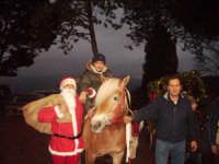 Cavalgiocando: Natale 2007 Caccamo- I Cavalieri della Castellana  con il progetto natale per tutti, un calessino un cavallino per tutti, una carezza lunga un giorno (Cavalgiocando).Faso Benedetto di anni 13 scuola media di Caccamo classe terza C - Per la prima volta a Cavallo.   - Caccamo (5238 clic)