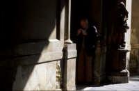 il portiere del vecchio palazzo...  - Acireale (4019 clic)