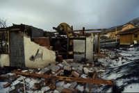 etna eruzione 2002: distruzione al rifugio sapienza   - Etna (9272 clic)