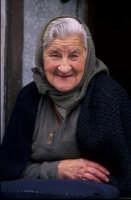 ritratto di anziana donna  - San fratello (11756 clic)