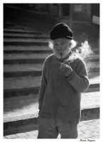 Vecchio che fuma la pipa  - Agira (7734 clic)