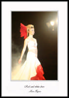 Sfilata di moda: Red and white dress  - Enna (2359 clic)