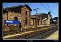 L'attesa del treno che non passerà mai  - Assoro (6951 clic)
