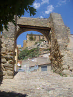 La porta Palermo o Garibaldi con lo sfondo del palazozo Branciforti LEONFORTE Benny Ilardo