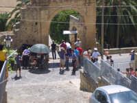 Beckstage di un film con Roul Bova e Mariagrazia Cucinotta sotto la porta Palermo o Garibaldi  - Leonforte (4667 clic)