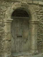 Porte d'une ancienne maison de Licata  - Licata (1401 clic)
