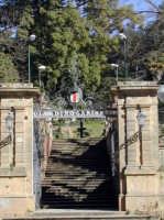 Giardino Garibaldi - ingresso  - Piazza armerina (4034 clic)