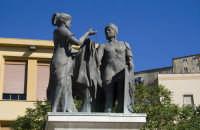Particolare del monumento posto in piazza Umberto I  - Calascibetta (4877 clic)