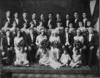 New York, anno 1920 - Quattro coppie di italo-americani si uniscono in matrimonio.  - Ravanusa (13202 clic)