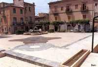 Piazza Aldo Moro e Fontana delle Fanciulle  - Campobello di licata (6610 clic)