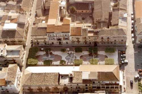 Piazza XX Settembre - CAMPOBELLO DI LICATA - inserita il