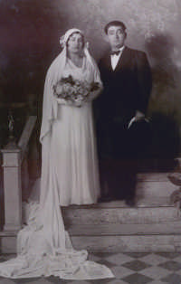 Salvatore ed Antonietta Vella - 1933  - Campobello di licata (7718 clic)