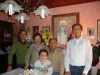 LA MADONNA NELLE CASE DEI SANCARLESI il 19 Maggio 2010 la madonna viene accolta dalla famiglia Fontanetta Carlo  - Chiusa sclafani (3352 clic)