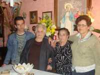 LA MADONNA NELLE CASE DEI SANCARLESI il 19 Maggio 2010 la madonna viene accolta dalla famiglia Fontanetta Carlo  - Chiusa sclafani (3333 clic)